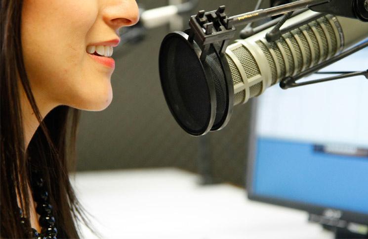 las-gruetas-de-la-radio