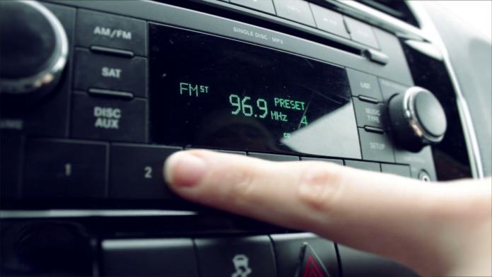 Radio De.